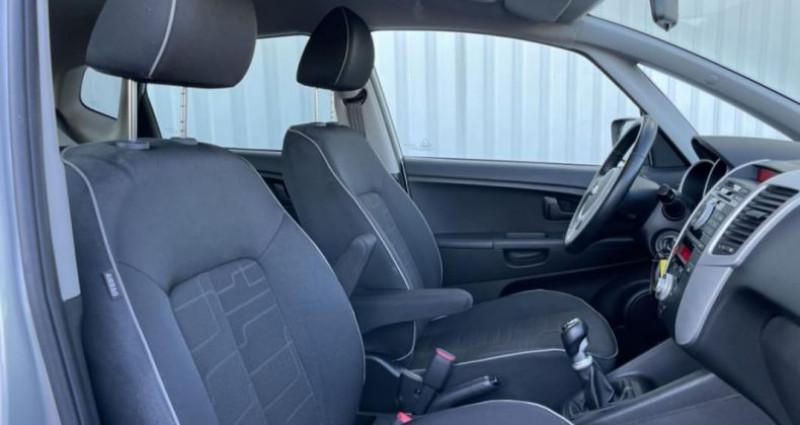 Kia Venga 1.6 CRDi 115 ch Active Gris occasion à LA GRAND CROIX - photo n°4
