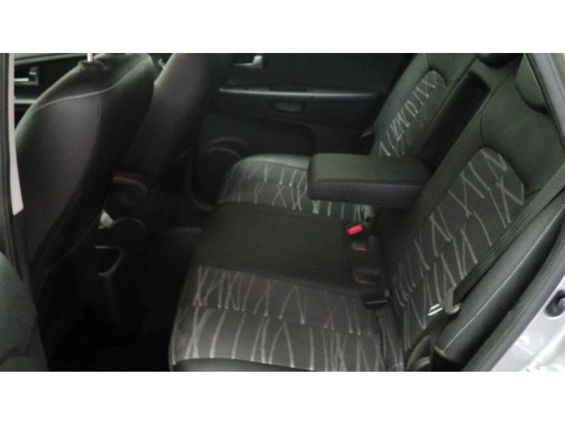 Kia Venga 1.6 CRDi 115 ch Premium Gris occasion à Cahors - photo n°9