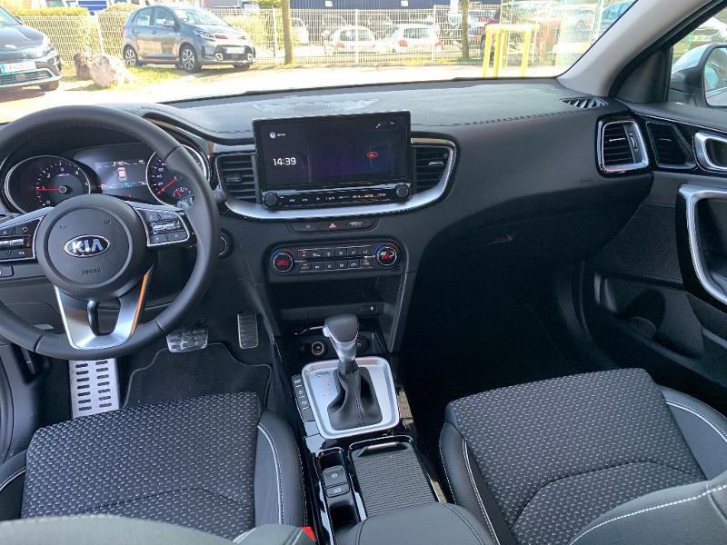 Kia XCeed 1.6 CRDI 136ch MHEV Design DCT7 2021 Blanc occasion à Barberey-Saint-Sulpice - photo n°9