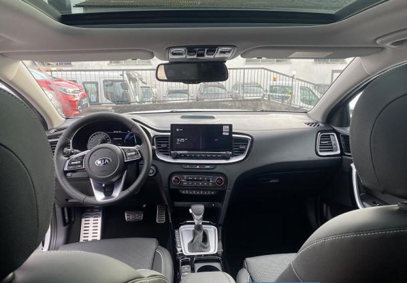 Kia XCeed 1.6 GDi 105ch + Plug-In 60.5ch Premium DCT6 Blanc occasion à MIONS - photo n°3