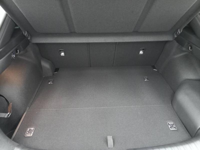 Kia XCeed XCeed 1.6 GDi 105 ch ISG/ Electrique 60.5ch DCT6 Premium 5p Blanc occasion à LONS - photo n°14
