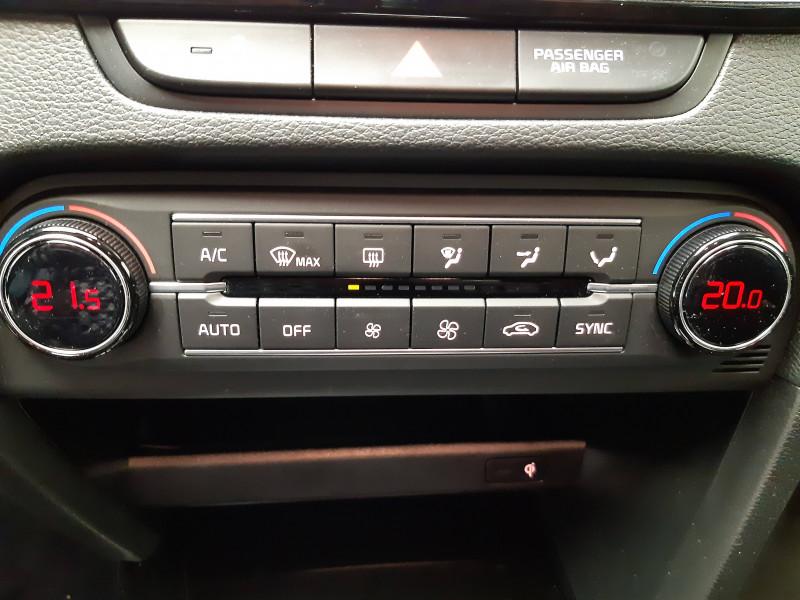 Kia XCeed XCeed 1.6l CRDi 136 ch DCT7 ISG Design 5p Blanc occasion à PERIGUEUX - photo n°10