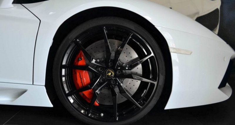 Lamborghini Aventador ROADSTER 6.5 V12 LP 700-4 Blanc occasion à CANNES - photo n°6