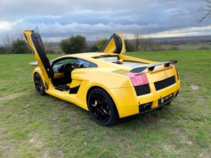 Lamborghini gallardo COUPE 5.0 V10 500 E GEAR Jaune occasion à Vacquiers - photo n°5