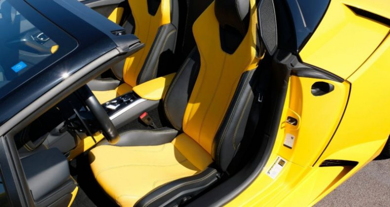 Lamborghini Huracan Lamborghini Huracan 580-2 Spyder Jaune occasion à Le Thoronet - photo n°4