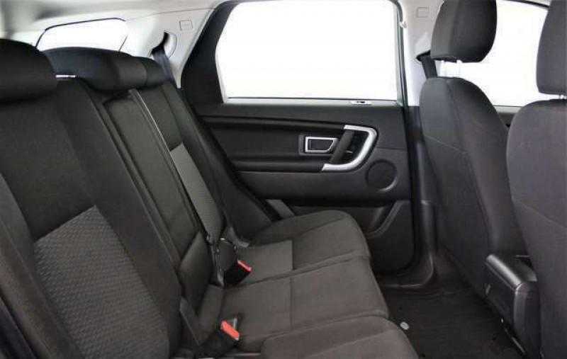 Land rover Discovery 2.0 TD4 150CH BUSINESS AWD BVA MARK III Gris occasion à Villenave-d'Ornon - photo n°8