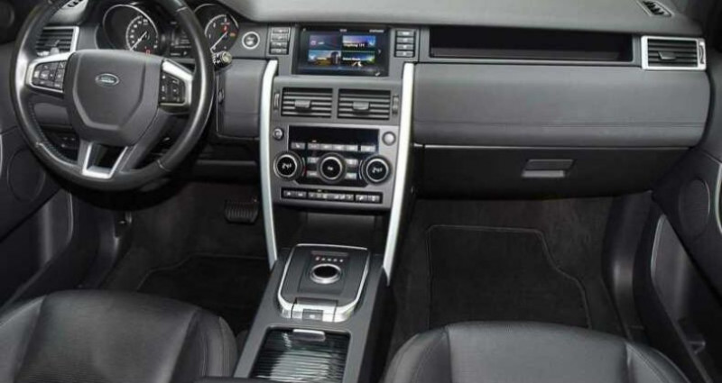 Land rover Discovery 2.0 TD4 180ch AWD HSE Noir occasion à Boulogne-Billancourt - photo n°4