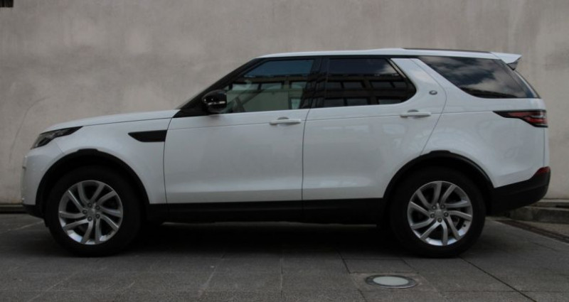 Land rover Discovery 5 hse luxury ethanol 300hp i Blanc occasion à Neuilly Sur Seine - photo n°3