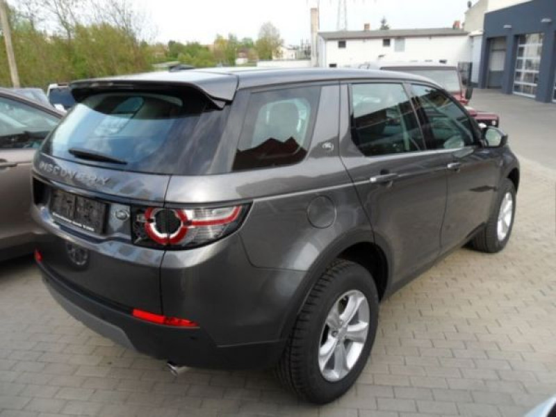 Land rover Discovery TD4 150 CH Gris occasion à Beaupuy - photo n°2