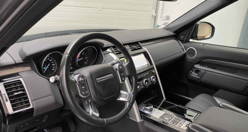 Land rover Discovery V 3.0 TD6 V6 4WD 258 cv HSE Gris occasion à Lagord - photo n°7