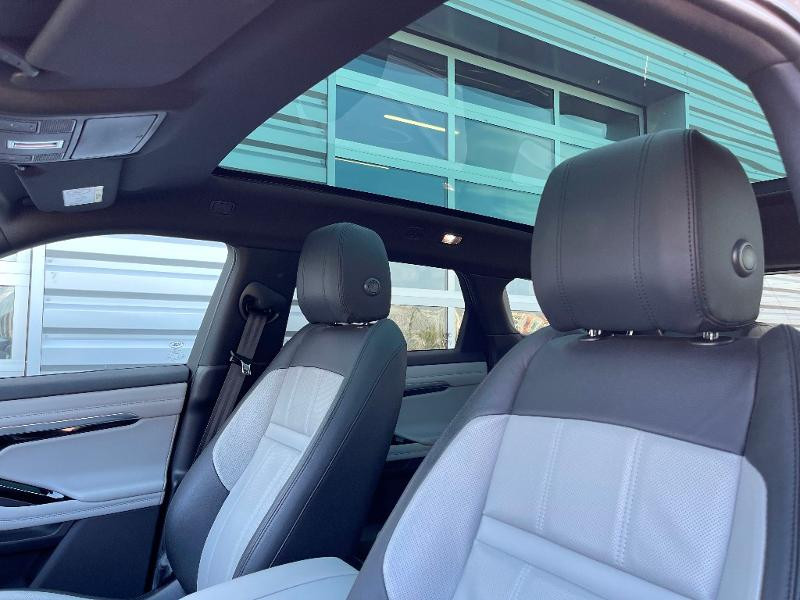 Land rover Range Rover Evoque 2.0 D 180ch First Edition AWD BVA Gris occasion à Barberey-Saint-Sulpice - photo n°8