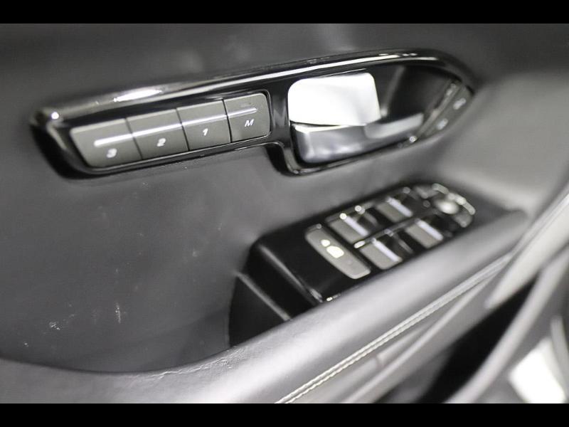 Land rover Range Rover Evoque 2.0 TD4 150 HSE Dynamic BVA Mark IV Blanc occasion à Castres - photo n°12