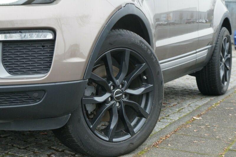Land rover Range Rover Evoque 2.0 TD4 150 SE BVA MARK V Gris occasion à Villenave-d'Ornon - photo n°3