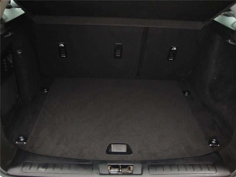 Land rover Range Rover Evoque ED4 150 BVM Business Blanc occasion à St Jean du Falga - photo n°14