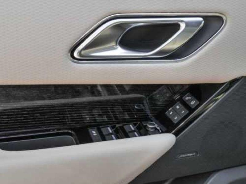Land rover Range Rover Velar 2.0 TDI 240 Noir occasion à Beaupuy - photo n°9