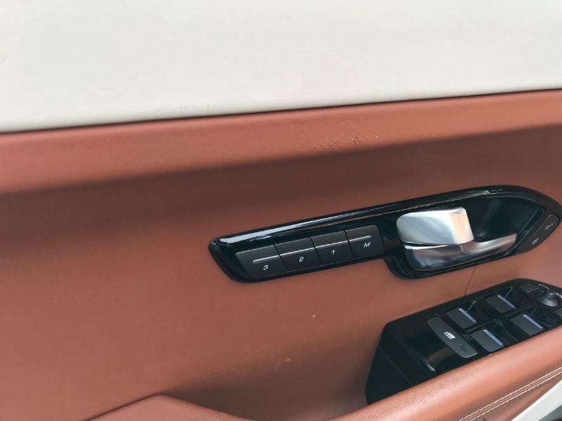 Land rover Range Rover 2.2 SD4 PRESTIGE BVA Gris occasion à Plougastel-Daoulas - photo n°7