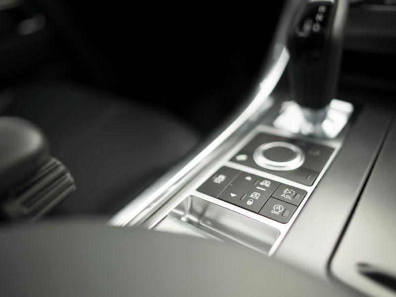 Land rover Range Rover 3.0 SDV6 SE 306 Gris occasion à Beaupuy - photo n°8