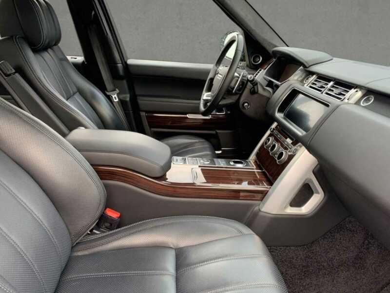 Land rover Range Rover 4.4 SDV8 Autobiography Noir occasion à BEAUPUY - photo n°4