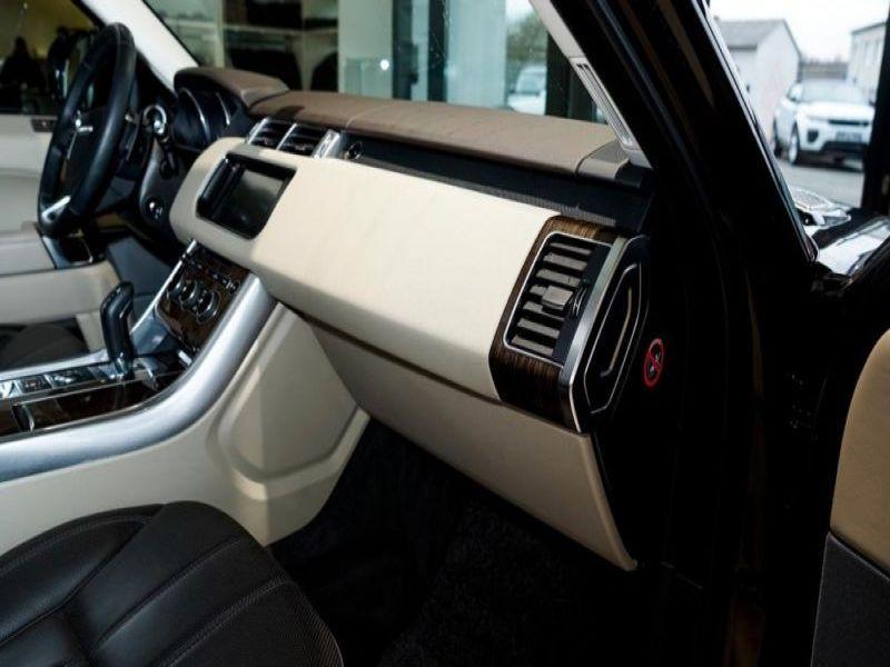 Land rover Range Rover 4.4 SDV8 HSE Dynamic Noir occasion à Beaupuy - photo n°7