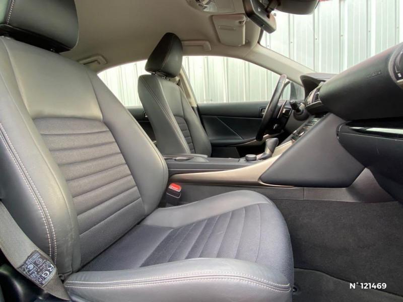 Lexus IS 300h Pack Business Gris occasion à Saint-Maximin - photo n°16