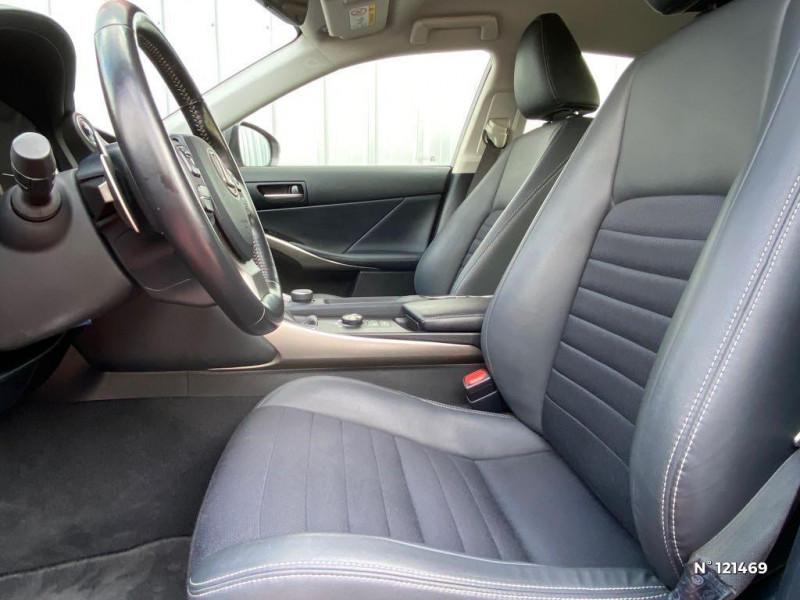 Lexus IS 300h Pack Business Gris occasion à Saint-Maximin - photo n°17