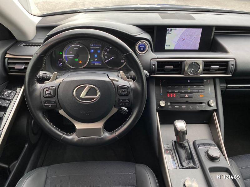 Lexus IS 300h Pack Business Gris occasion à Saint-Maximin - photo n°10
