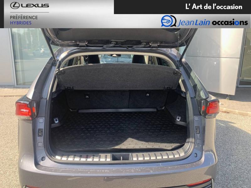 Lexus NX NX 300h 2WD Pack Business 5p Gris occasion à Seyssinet-Pariset - photo n°10