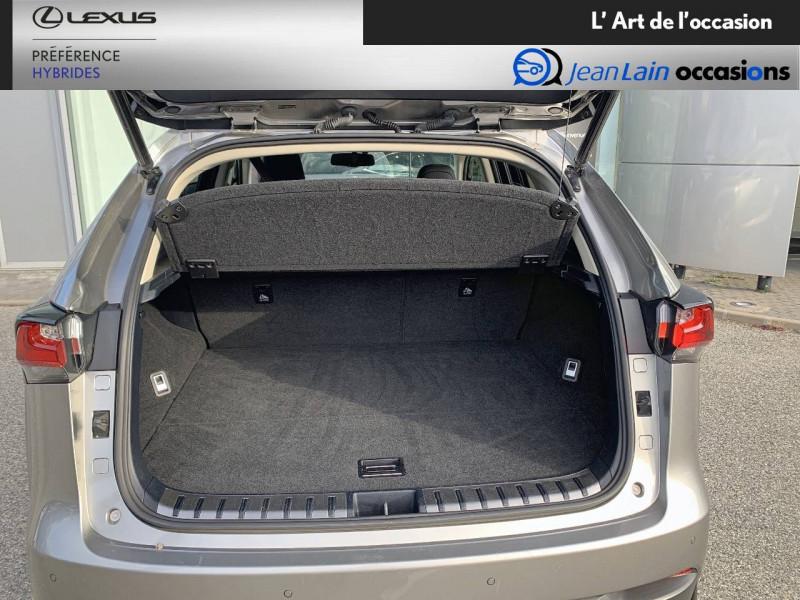 Lexus NX NX 300h 4WD E-CVT Luxe 5p Gris occasion à Seyssinet-Pariset - photo n°10