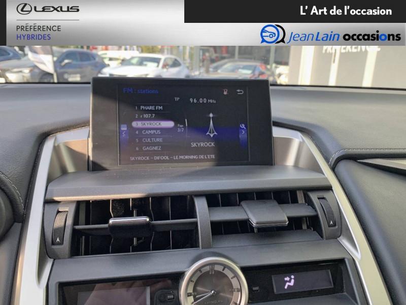 Lexus NX NX 300h 4WD E-CVT Luxe 5p Gris occasion à Seyssinet-Pariset - photo n°15