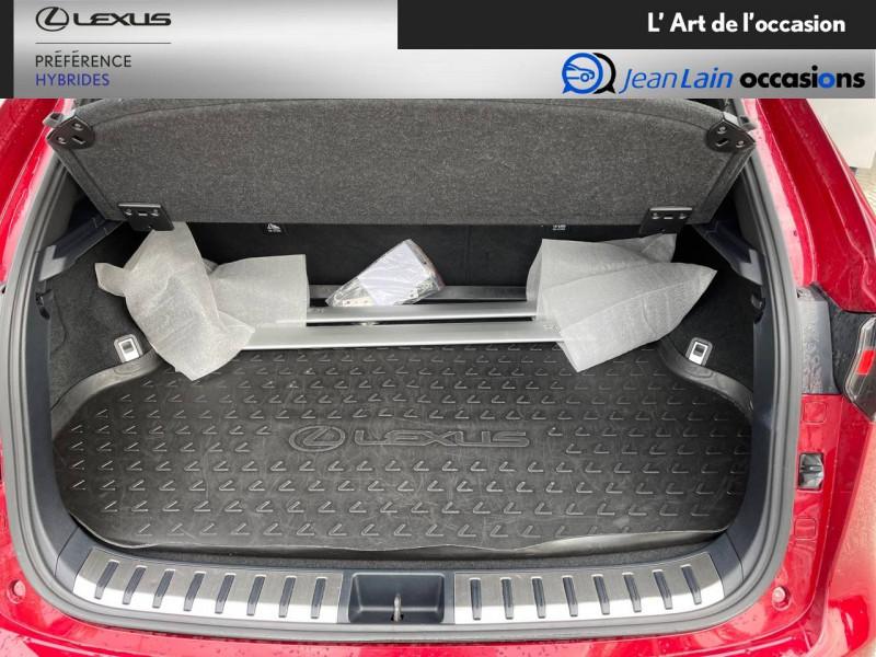 Lexus NX NX 300h 4WD F SPORT 5p Rouge occasion à Seyssinet-Pariset - photo n°10