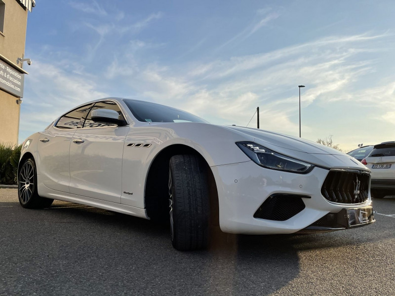 Maserati Ghibli 3.0 V6 275 CH DIESEL GRANDSPORT Blanc occasion à Colomiers - photo n°8