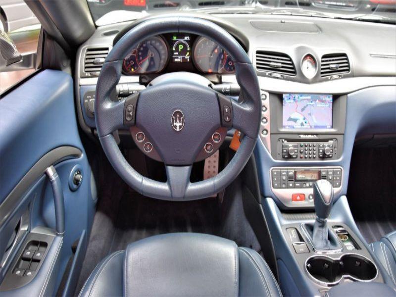 Maserati Gran Cabrio 4.7 V8 MC 460 Blanc occasion à BEAUPUY - photo n°2