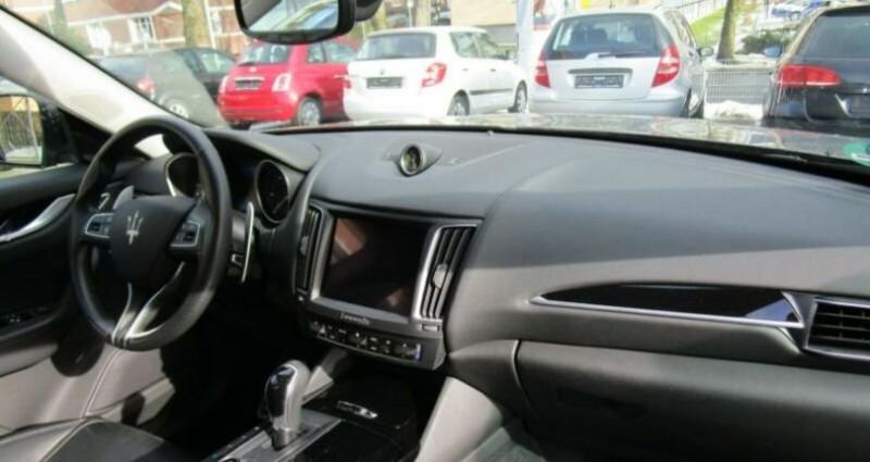 Maserati Levante 1 main * 4x4 Gris occasion à Mudaison - photo n°3