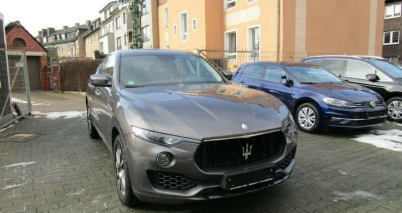 Maserati Levante 1 main * 4x4 Gris occasion à Mudaison