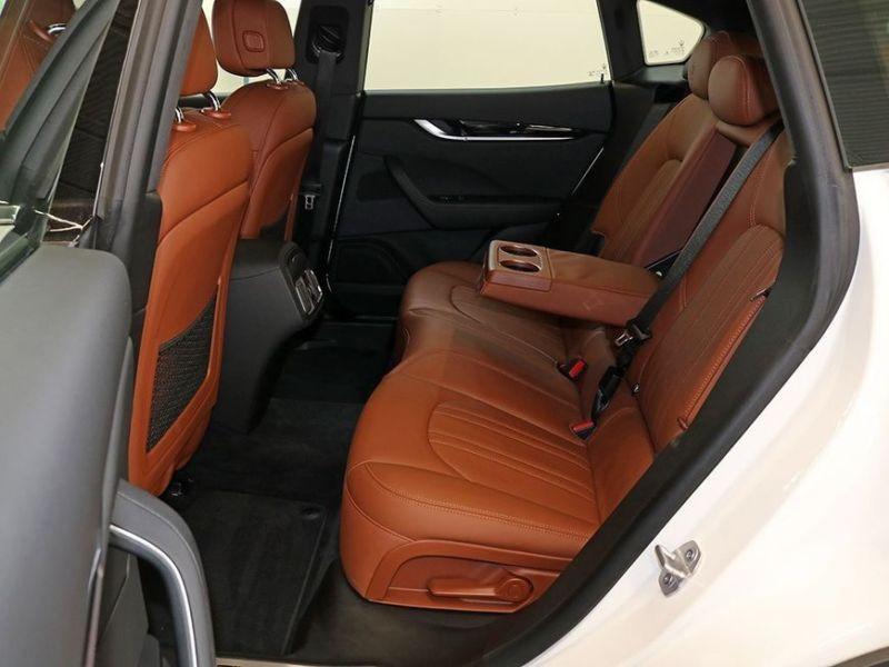 Maserati Levante 3.0 D V6 275 Blanc occasion à BEAUPUY - photo n°5