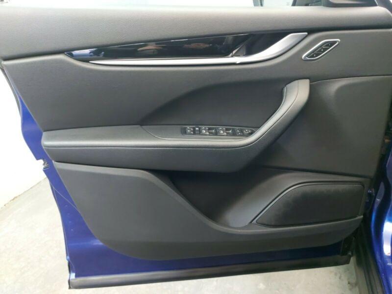 Maserati Levante 3.0 V6 275CH DIESEL Bleu occasion à Villenave-d'Ornon - photo n°8