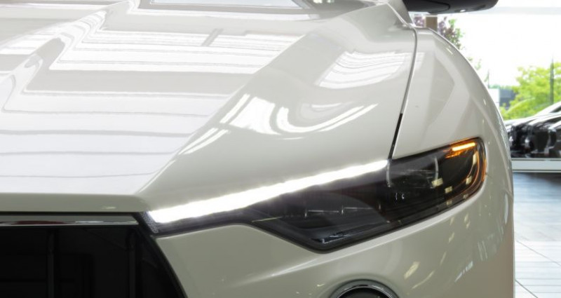 Maserati Levante 3.0 V6 Diesel Gransport Auto Blanc occasion à Tours - photo n°5