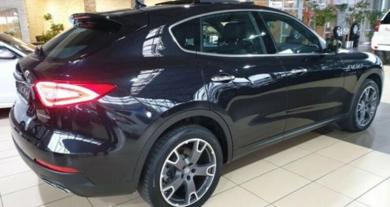 Maserati Levante toit panoramique Noir occasion à Mudaison - photo n°4