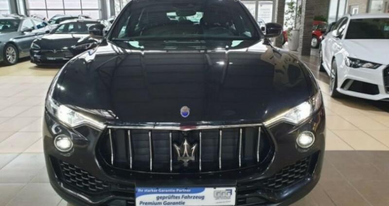 Maserati Levante toit panoramique Noir occasion à Mudaison - photo n°2