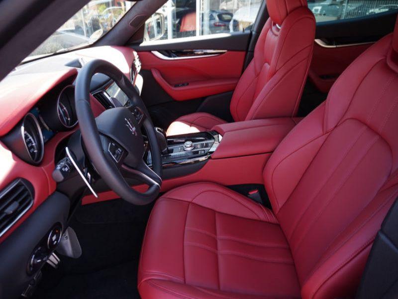 Maserati Quattroporte 3.0 D V6 275 ch Blanc occasion à BEAUPUY - photo n°3