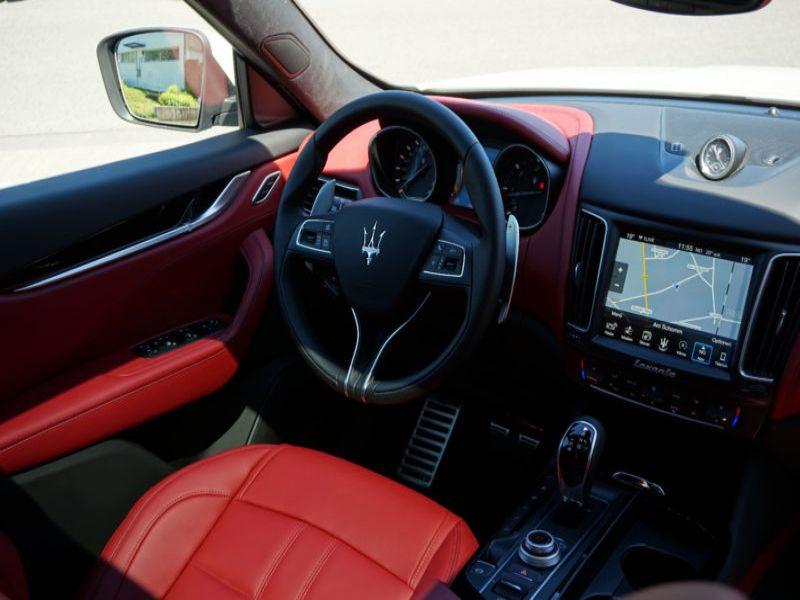 Maserati Quattroporte 3.0 D V6 275 ch Blanc occasion à BEAUPUY