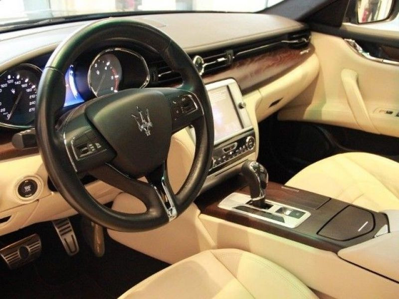 Maserati Quattroporte 3.0 V6 D 275 Noir occasion à BEAUPUY - photo n°2