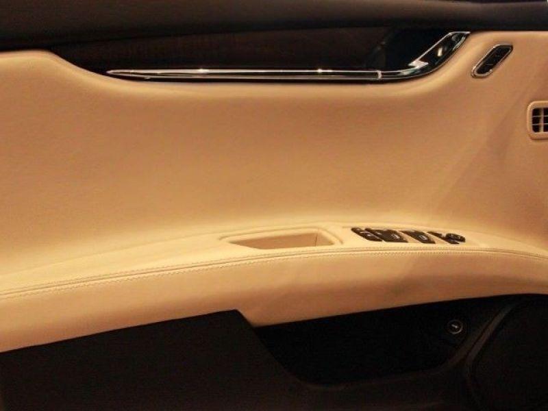 Maserati Quattroporte 3.0 V6 D 275 Noir occasion à BEAUPUY - photo n°6