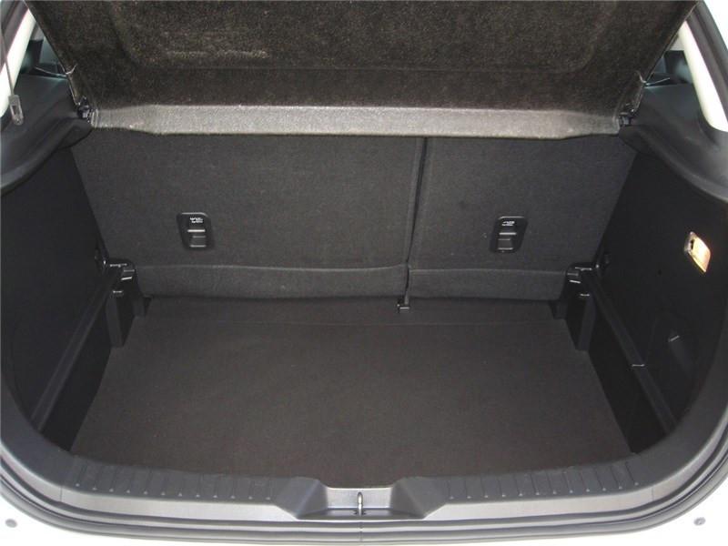 Mazda CX-3 2.0L SKYACTIV-G 121 4X2 BVA6 Selection  occasion à St Jean du Falga - photo n°18