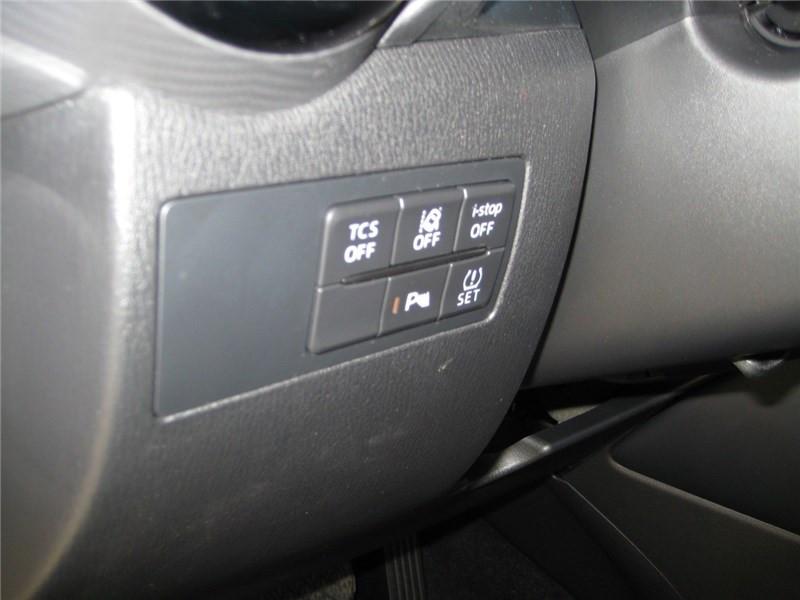 Mazda CX-3 2.0L SKYACTIV-G 121 4X2 BVA6 Selection  occasion à St Jean du Falga - photo n°14