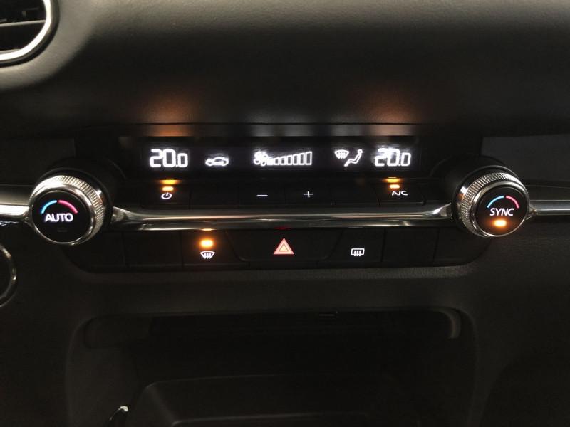 Mazda CX-30 2.0 SKYACTIV-X M-HYBRID 180CH BUSINESS EXECUTIVE Noir occasion à FENOUILLET - photo n°11