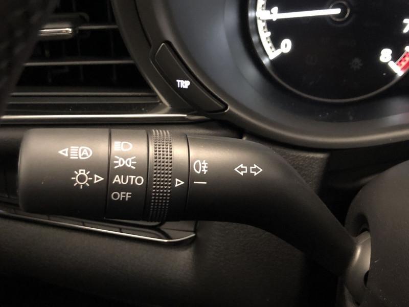 Mazda CX-30 2.0 SKYACTIV-X M-HYBRID 180CH BUSINESS EXECUTIVE Noir occasion à FENOUILLET - photo n°16