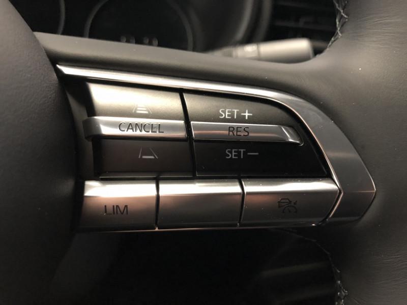 Mazda CX-30 2.0 SKYACTIV-X M-HYBRID 180CH BUSINESS EXECUTIVE Noir occasion à FENOUILLET - photo n°15