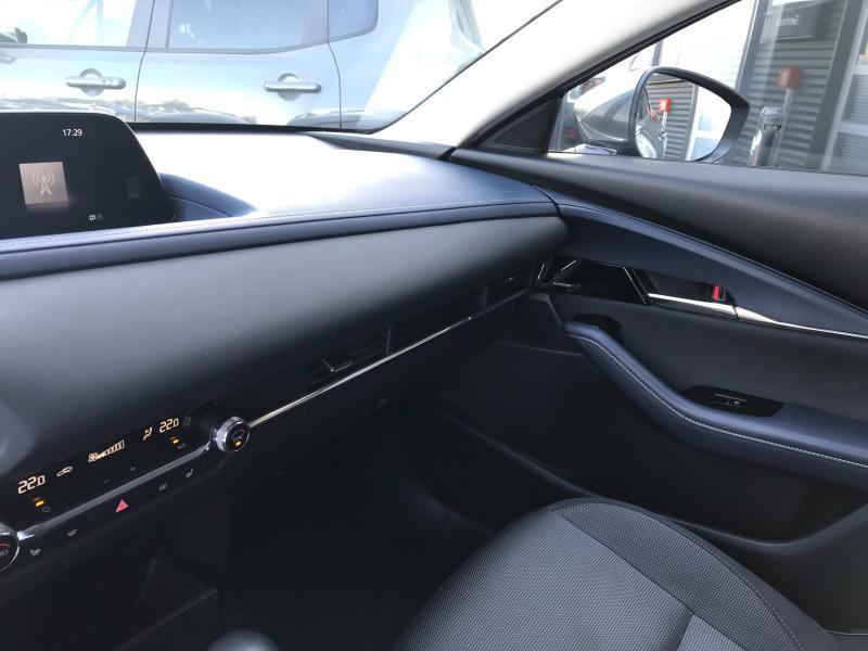 Mazda CX-30 2.0 Skyactiv-X M-Hybrid 180ch Sportline BVA  occasion à Mérignac - photo n°17