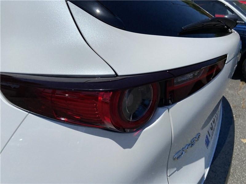 Mazda CX-30 2.0L SKYACTIV-X M HYBRID 180 CH 4X2 BVA6 Sportline Blanc occasion à Muret - photo n°9